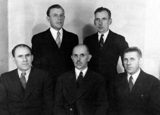 Czołowi działacze ZKCh (od lewej): P. Bajeński,                     B. Winnik, K. Jaroszewicz, M. Korniluk, J. Sacewicz