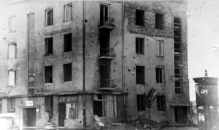 Rok                       1947. Puławska 114 w trakcie remnotu